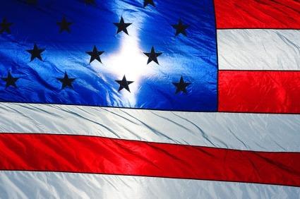 american-flag-1272115_640
