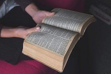 bible-1089930_640
